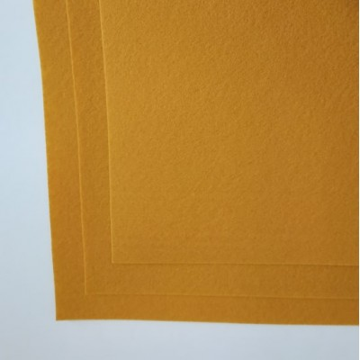 Корейский жесткий фетр 1,2 мм (20*30 см), янтарный